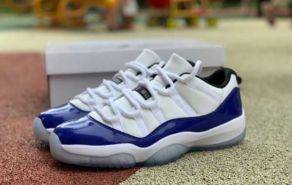 "The Air Jordan 11 Retro Low WMNS ""Concord"""