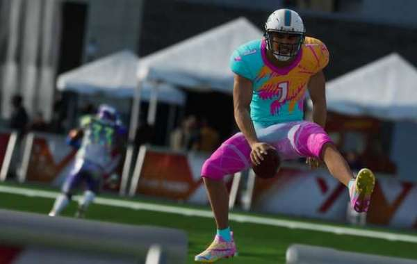 Madden 21 Ultimate Legends provides players with options to reinforce the lineup