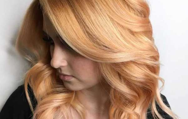 Honey Blonde Hair is the Hottest Blonde Trend in This Fall
